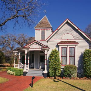 Structures in Farmers Branch: Queen Anne Victorian Cottage